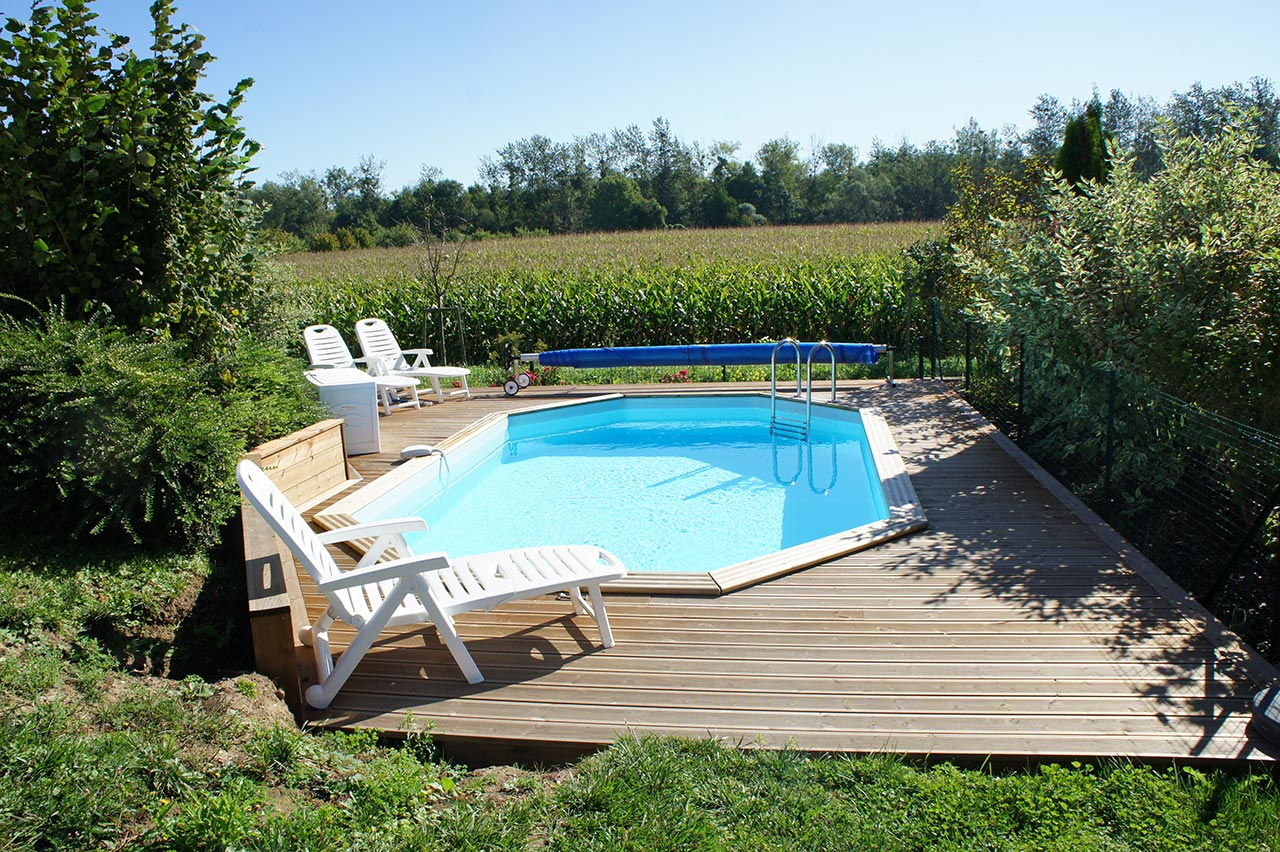 Design amenagement piscine terrain en pente brest 1733 for Piscine terrain en pente