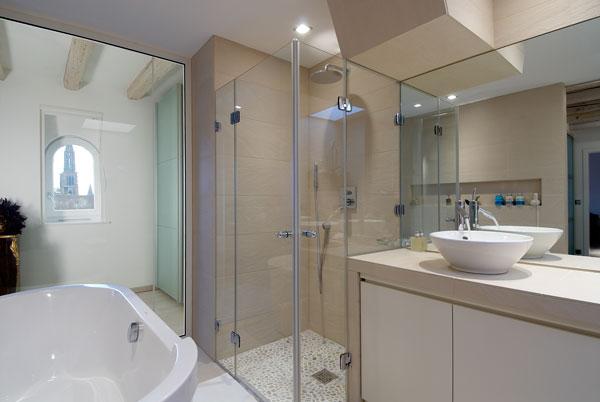 R alisation d 39 une table vasque carreler batiglobal for Carreler une salle de bain