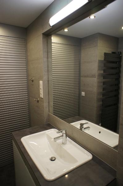 r alisation d 39 une table vasque carreler batiglobal. Black Bedroom Furniture Sets. Home Design Ideas